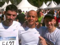 Axecibles franchit la ligne d'arrivée du marathon de Lille 2011!